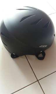 Helm sepeda dewasa