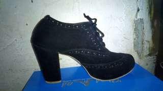 Sepatu Gior Morento real pict. Baru sekali dipake, harga bisa nego