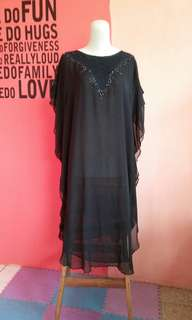 Tunik kaftan hitam simple elegan