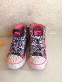 Sepatu sekolah Skechers hitam pink twinkle toes