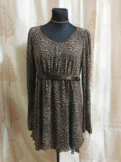 ✔️REPRICED Leopard dress w/sleeves