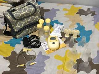 medela freestyle with lil kash mini pump bag