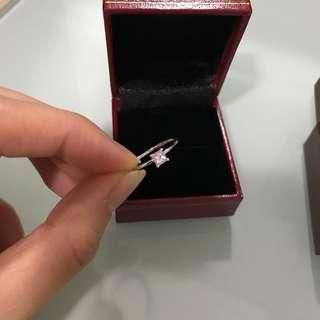 小清新26份方形鑽石18K白金戒指