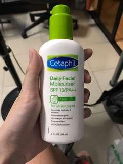 Cetaphil Daily Facial Mouisturizer SPF15