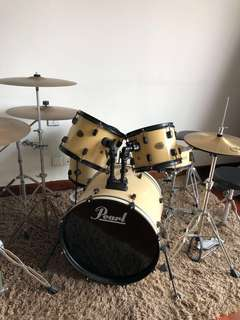 Pearl Drum Set (Great For Beginners)
