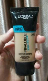 L'oreal infalible pro glow foundation