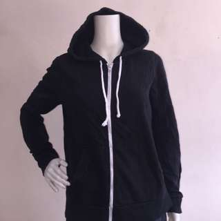 DIVIDED BY H&M Black zippered sweatshirt with hood large