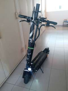 LTA COMPLIANT (18.6kg) Speedway 4 with  High quality 52volts 3.5ah Sanyo battery w receipt  and 2 mths warranty. Price is firm..