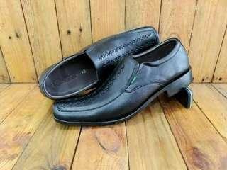 Sepatu pantopel kicker / pantofel kulit pria / sepatu kantor