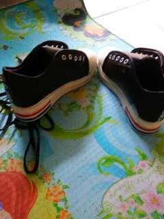 sepatu hitam sekali pakai no minus size 40