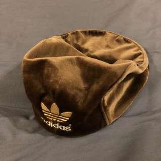 🚚 Adidas 愛迪達 報童帽 貝蕾帽 絨毛 刺繡 咖啡 棕 古著