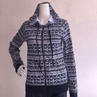 CHIN UP AZTEC print design sweatshirt hood with zipper large