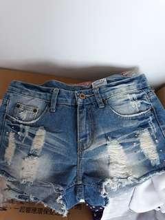 🚚 品牌牛仔短褲