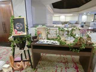 🚚 Wedding reception setup