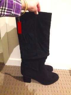 Brand New Boots - Black Size 7
