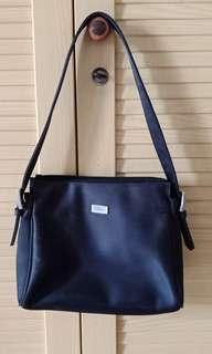 Guess simple bag