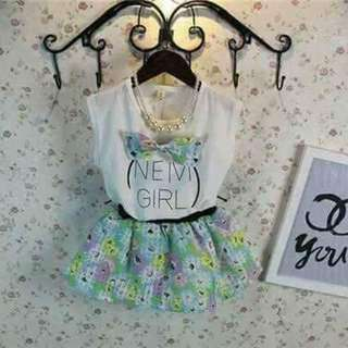KIDS CUTE BLOUSE AND SKIRT