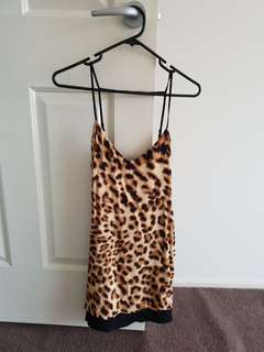 Bardot size 6 print dress
