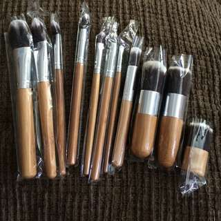 11 pcs KABUKI WOODEN BRUSH SET