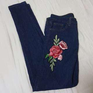 🚚 TEMT Embroidery Jeans