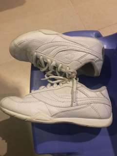 Champion girls sneaker White kids size US 13. Used 4x
