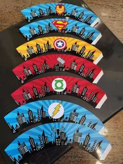 Superheroes Cupcakes liner and toppers