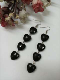 Hearts dangling earrings