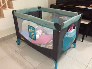 Babylove Playpen (like new)
