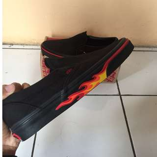 Vans slip on FLAME WALL