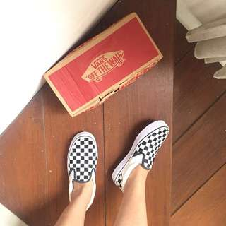 VANS SLIP ON CHECKERBOARD WITH BOX