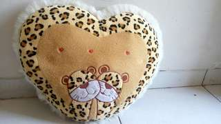 Preloved Bantal Love Leopard