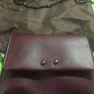 Benetton sling bag (maroon)