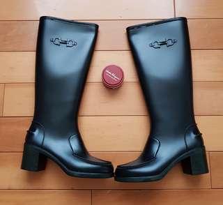 🚚 Salvatore Ferragamo全新專櫃正品靴子