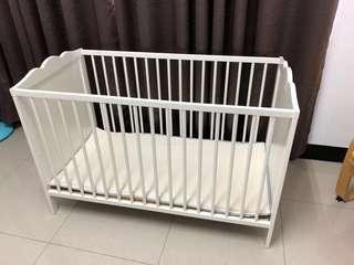 Ikea嬰兒床