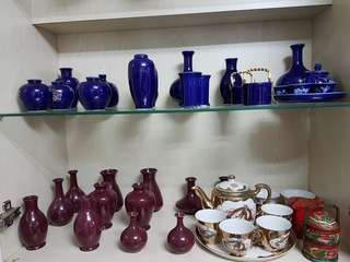 Mini vases, collectible mugs
