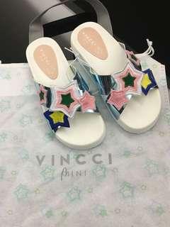 NEW Mini Vincci sandals
