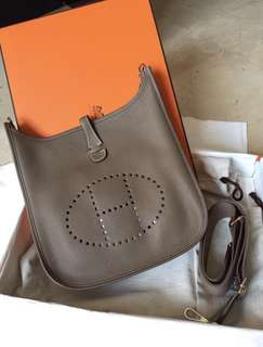 Hermes Evelyne III PM in Etoupe, Clemence leather