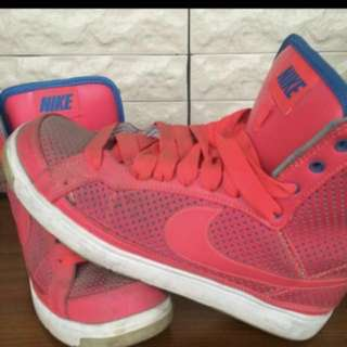 🚚 Nike桃紅高筒鞋