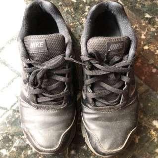 🚚 Nike 黑球鞋