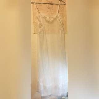 🚚 全新轉賣 東區名店Afad 透膚外搭造型白紗質洋裝