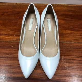 Staccato White Pump