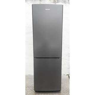 samsung fridge (free delivery)