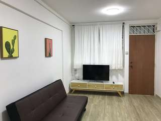Newly renovated, high floor & quiet unit