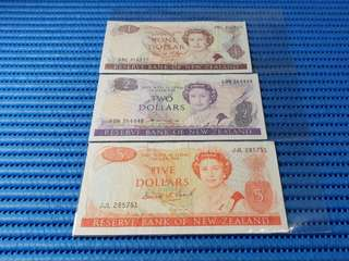 3X 1981 New Zealand $1, $2 & $5 Dollar Note Dollar Banknote Currency ( Lot of 3 Pieces )