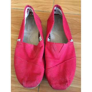 Toms Red Canvass (Size 10)