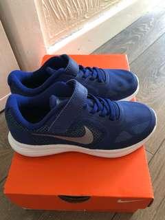 Nike Kids 波鞋 eur 30 uk 12 cm 18.5 us 12.5c