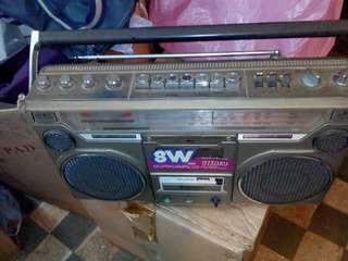 日立牌卡式收音機