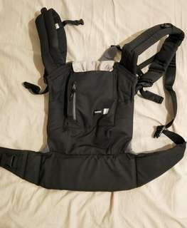 🚚 Combi JOIN 減壓型背巾(芝麻黑)+新生兒全包覆式內墊(鬆餅米)