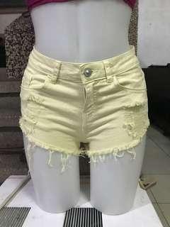 BERSHKA shorts size 25-26