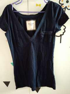 Abercrombie & Fitch blue V top
